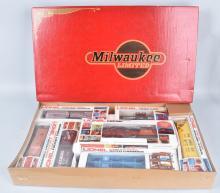 LIONEL MILWAUKEE ROAD .027 TRAIN SET, BOXED