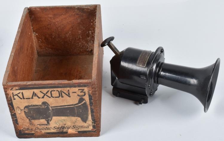 STEWART KLAXON STYLE HORN , BOXED