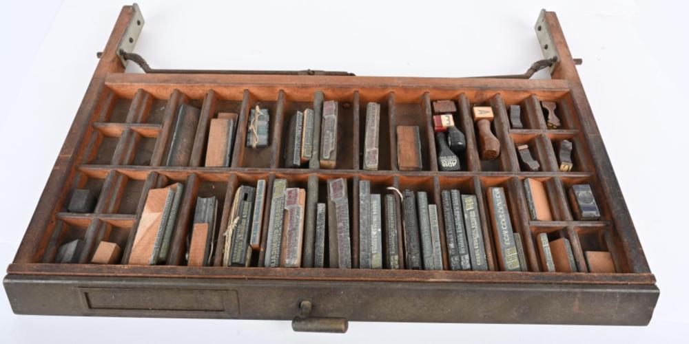 PRINTERS TYPE TRAY w/ MANY CLEVELAND CO. TYPE