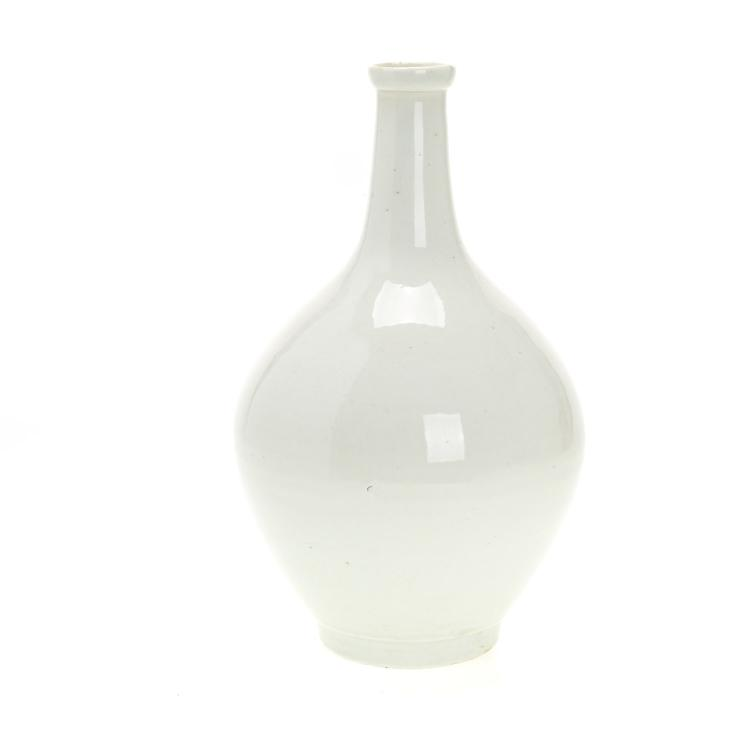 Chinese blanc de chine bottle vase