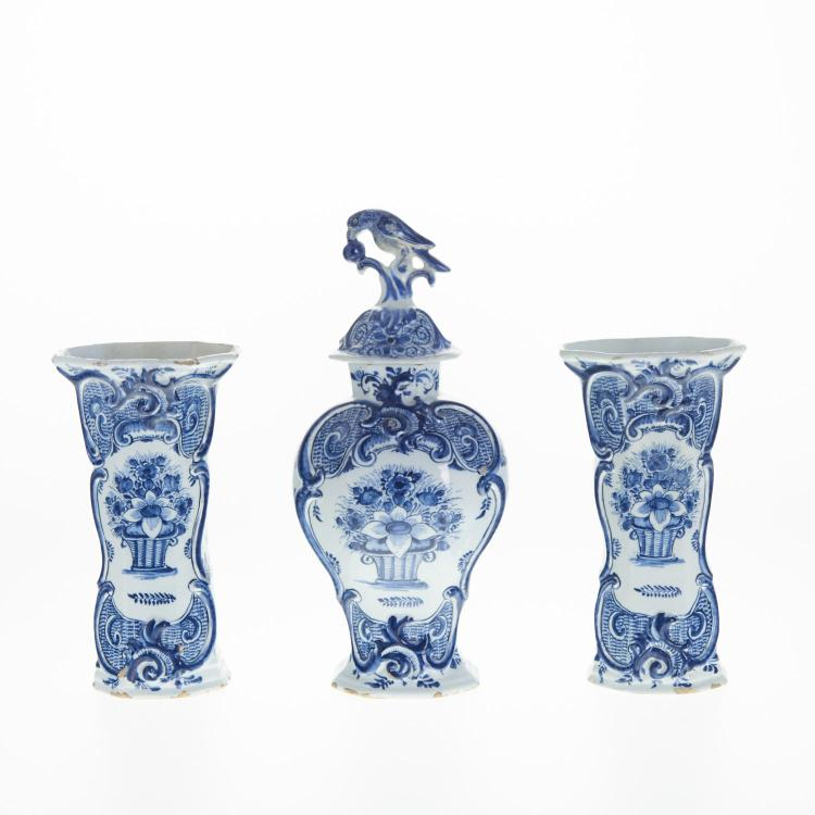 Delft (3) piece garniture signed Johannes Van Duyn