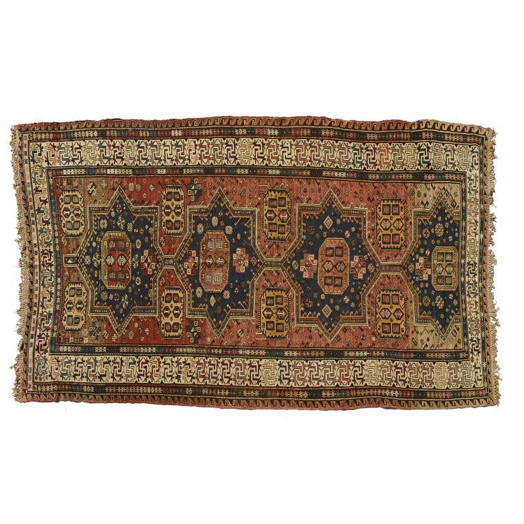 Soumac flat woven carpet