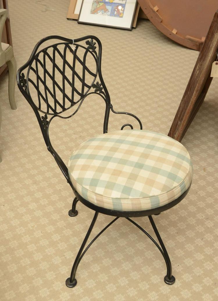 Set 5 Woodard Wrought Iron Swivel Chairs