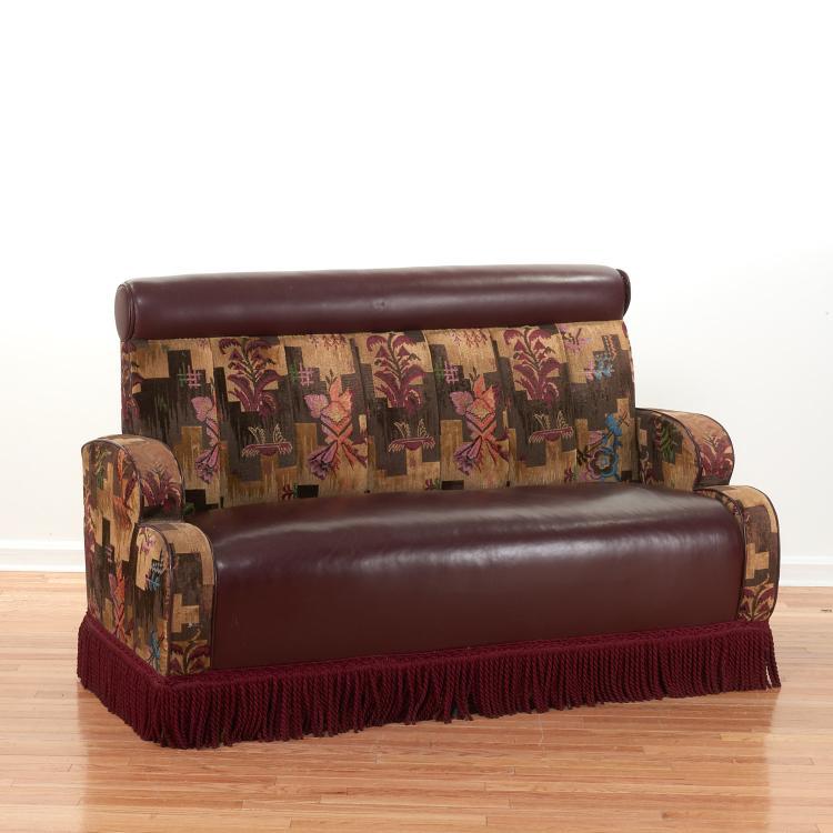 Art deco style leather sofa for Art deco style sofa