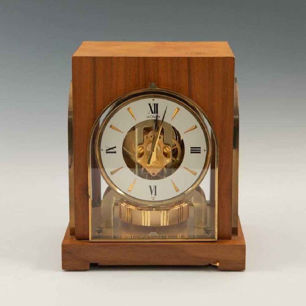 Lot 17: LeCoultre Gruen Cosmos Guild Atmos Clock