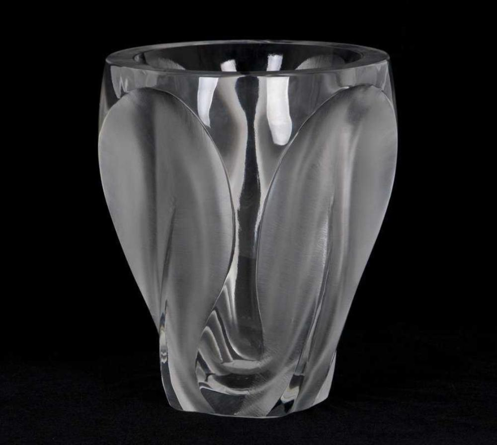 Lot 28: LALIQUE France LARGE Ingrid Vase Frosted & Clear Glass