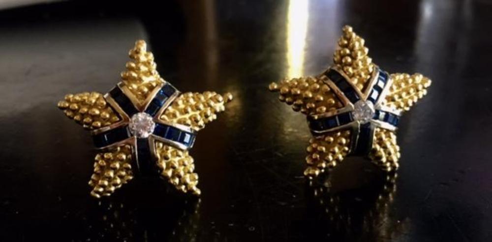 Lot 48: Starfish Caviar 18K Gold Diamond Sapphire Earrings