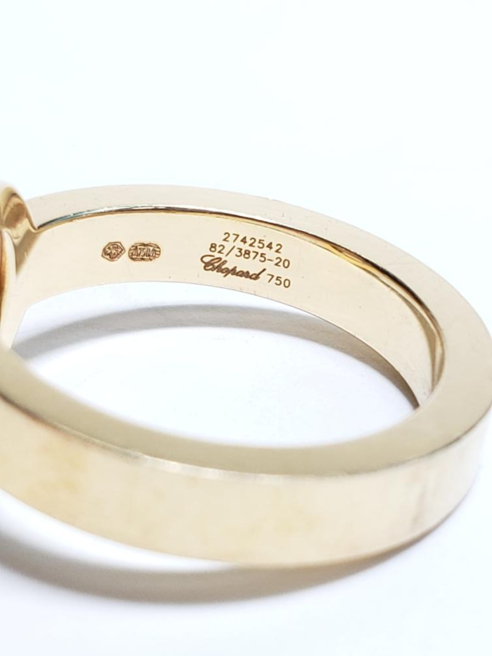 Lot 57: Designer Womens Chopard Happy Diamond 18k Yellow Gold Ring with Box