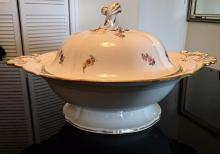 Lot 36: Large Antique MEISSEN Tureen Soup Bowl Pot Dish