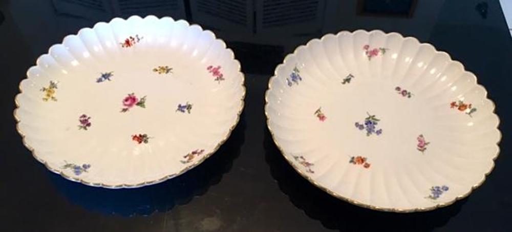 Pair of Large Antique MEISSEN Platters Serving Dishes Bowls