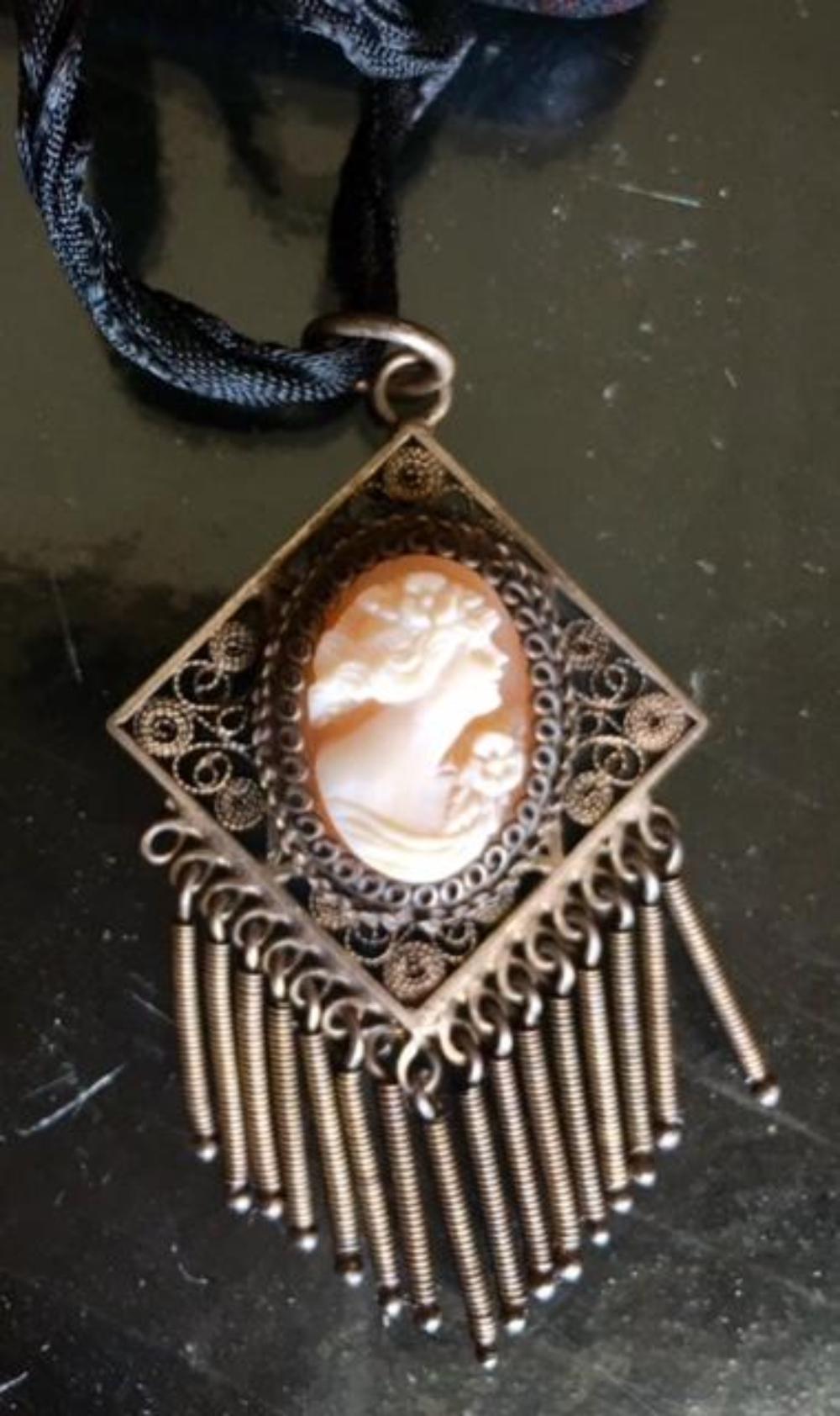 Victorian Cameo Filigree Silver Choker Necklace Pendant