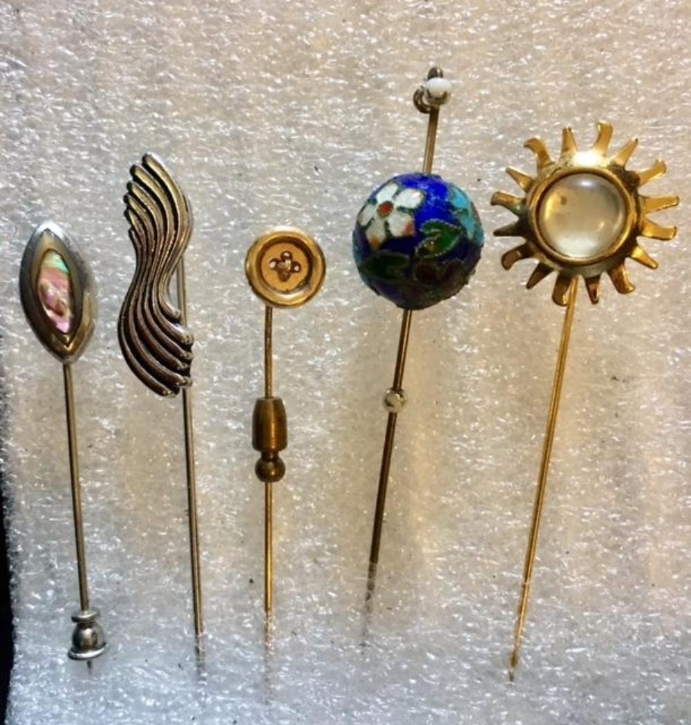 Set of 5 Vintage Pins
