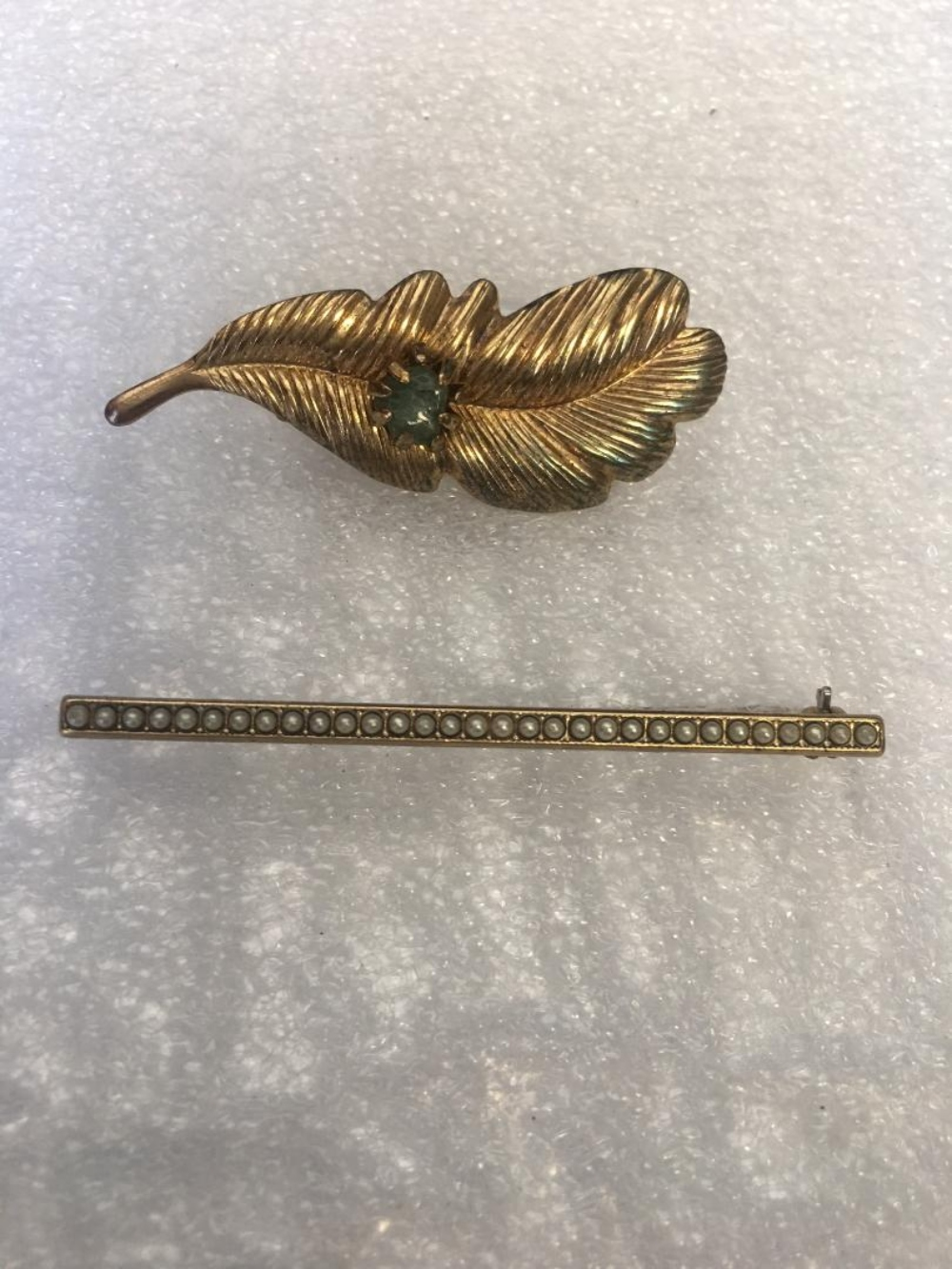 Lot 116: Set of 9 Vintage Brooches