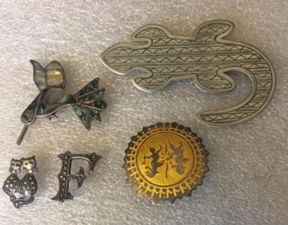 Lot 118: Set of 5 Vintage Sterling Silver Brooches