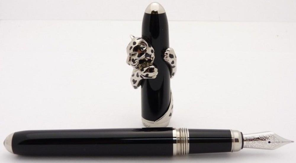 Lot 54: CARTIER PANTHER De Initiated Fountain Pen 18K Gold and 925 Sterling Silver
