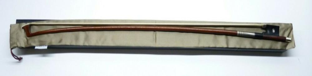 Lot 78: Antique Victor Fetique Fine French Violin Bow