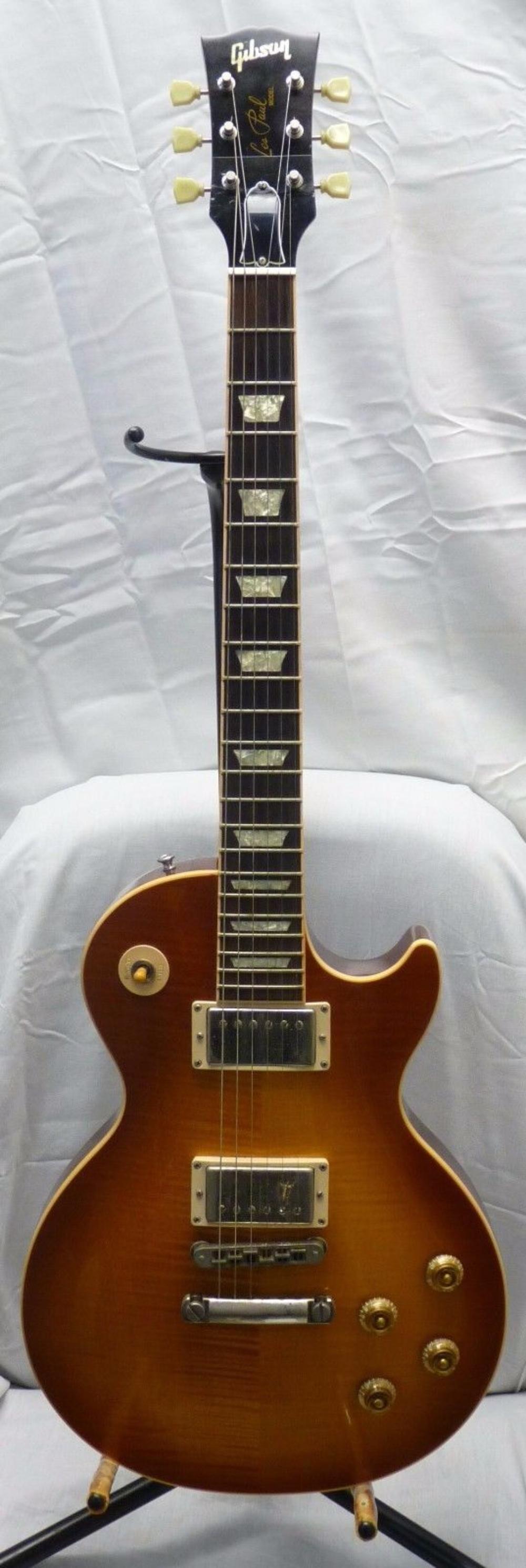 GIBSON LES PAUL Honeyburst 2004 Electric Guitar Hard Case