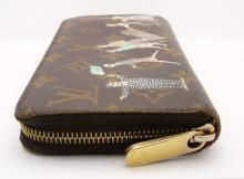 Lot 84: Louis Vuitton Brown Illustre Zippy Wallet Purse Clutch