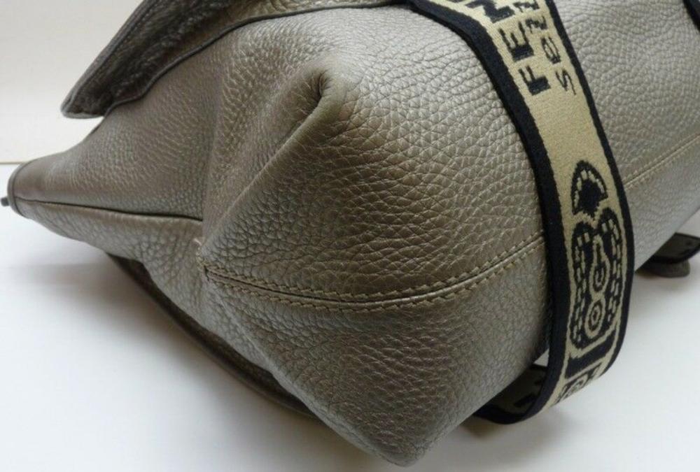Lot 88: FENDI Selleria Lavorazione a mano 1925 Silver Leather Bag Limited Edition