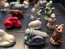 Lot 125: Set of 25 Wade England Porcelain Red Rose Tea Figurines