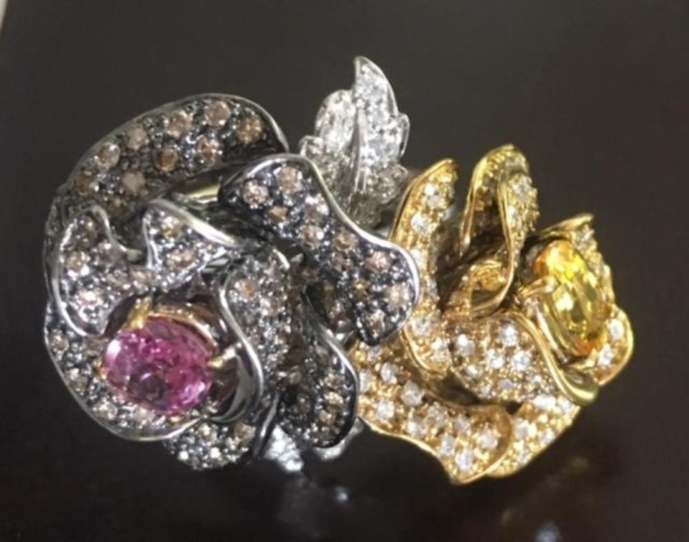 Roses Ring 18K Gold Diamonds Sapphires