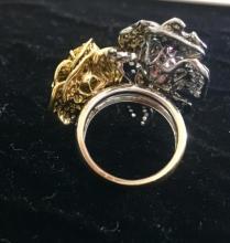 Lot 184: Roses Ring 18K Gold Diamonds Sapphires