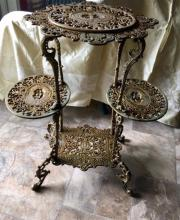 Lot 99: Antique American Coalbrookdale Style Gilt Cast Iron Ornate Plant Stand with Cherubs