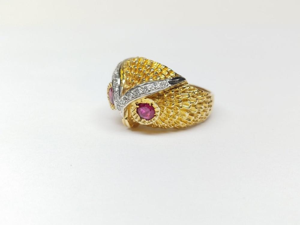 Lot 195: Rare OWL 14k Gold Diamonds Rubies Stone Eye Ring