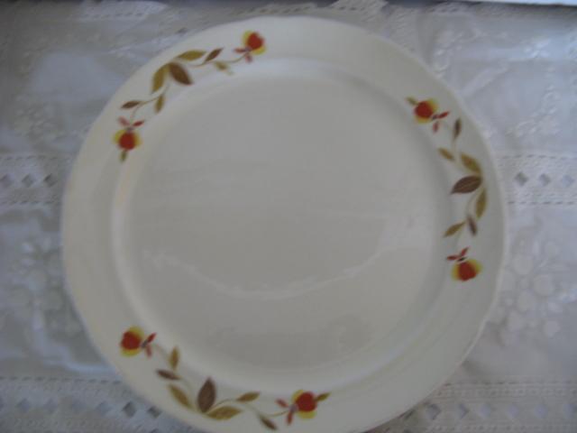 """Jewel Tea Plates 9 1/2"""""""
