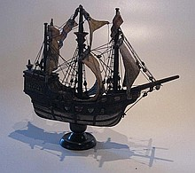 Model Galleon, 20th century, 33cm high