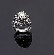 Anello a cupola in platino