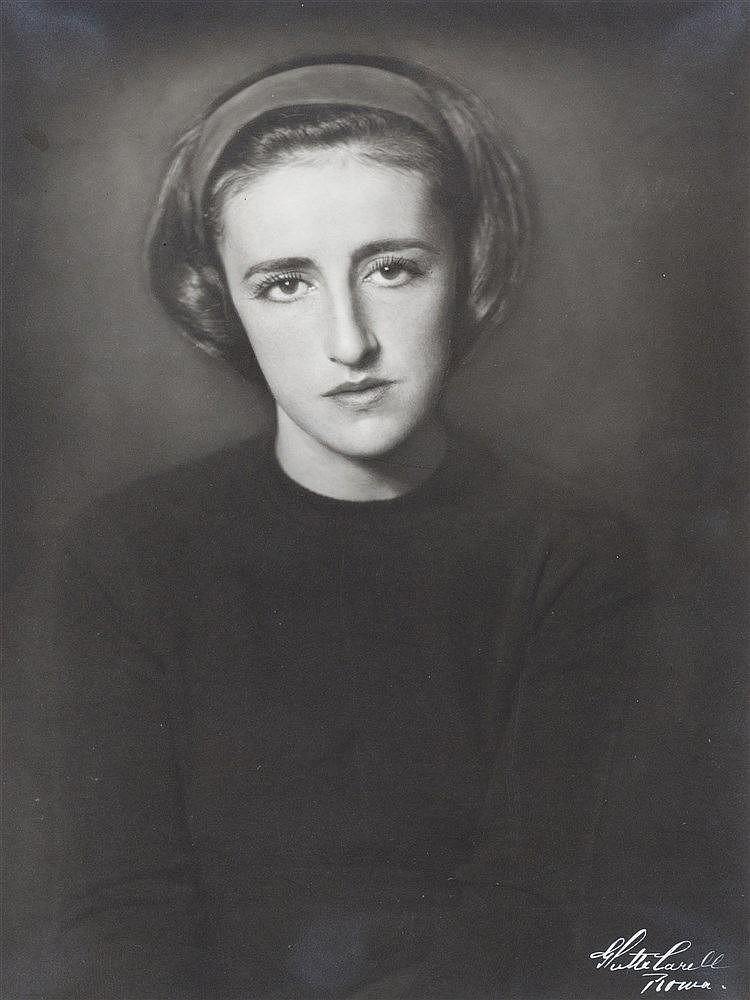 Ghitta Carell (1899-1972)
