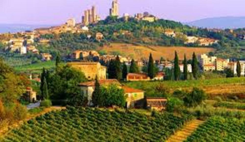Tuscany:  Wine and Dine in Cortona, Tuscany, Italy for 6 days and 5 nights in a Two bedroom loft apartment for four including a cooking class and lunch in a winery