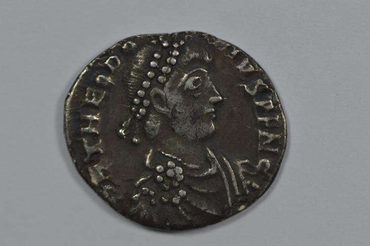 Ancient Rome. Theodosius I (379-395 AD) Silver Siliqua. Treveri (Trier) Mint (1.9 grams)