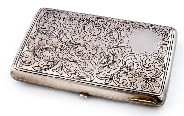 Cigarette-case with floral decor