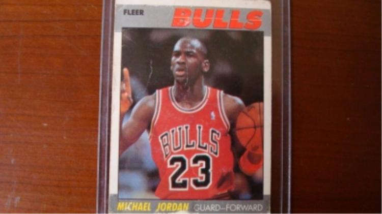 1987-88 FLEER Michael Jordan Card - bad condition