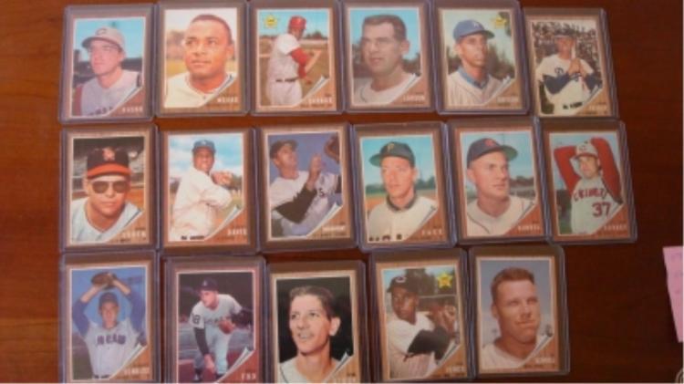 1962 TOPPS (17) Baseball Cards EXM +