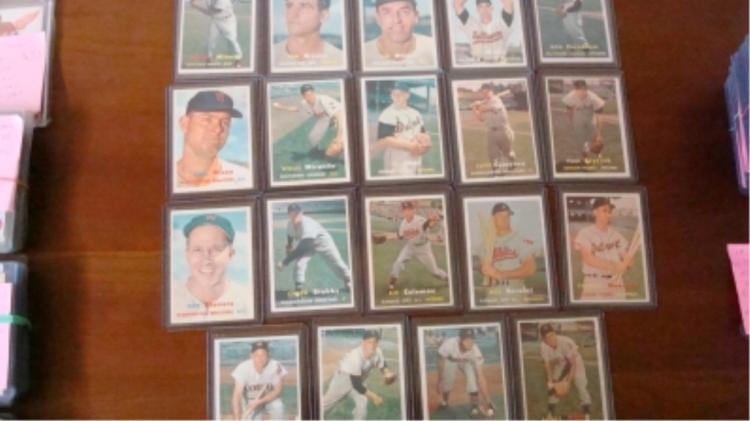 1957 TOPPS (19) Baseball Cards EX+