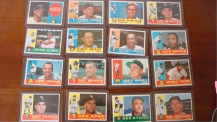 1960 TOPPS (16) Baseball Cards EXM & Better Sharp