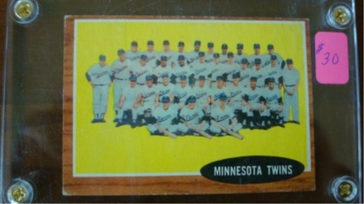 1962 TOPPS #584 Twins Team Card Fairly Sharp