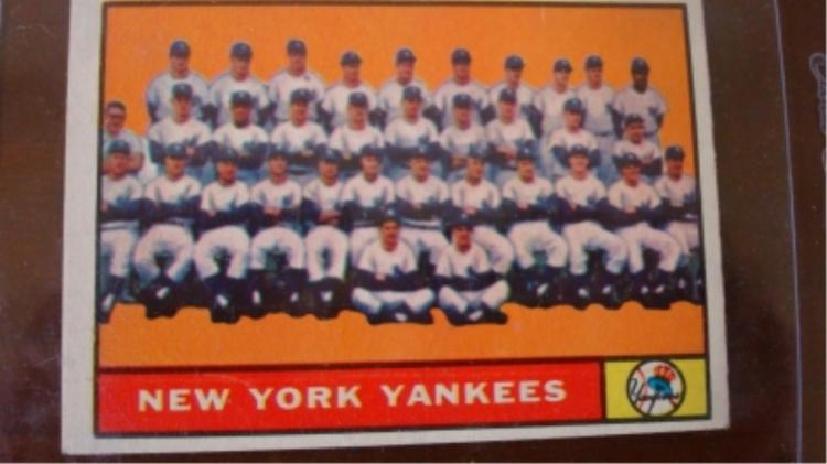 1961 TOPPS Yankees Team Card Ex+