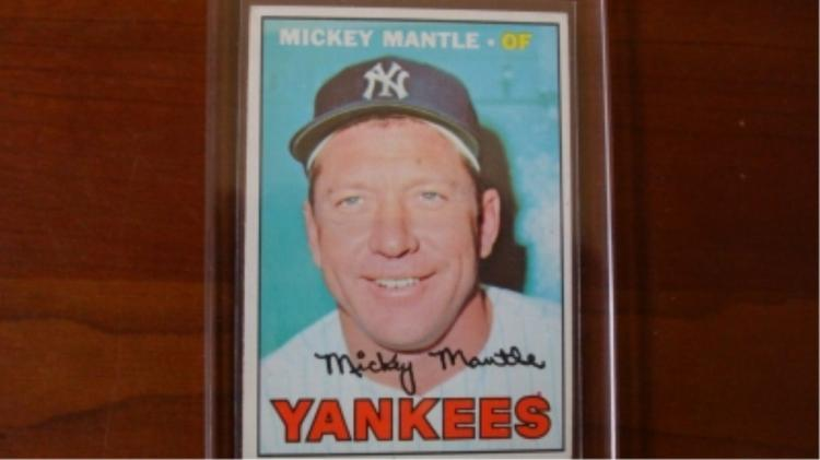 1967 TOPPS Mickey Mantle Card Ex-Mint