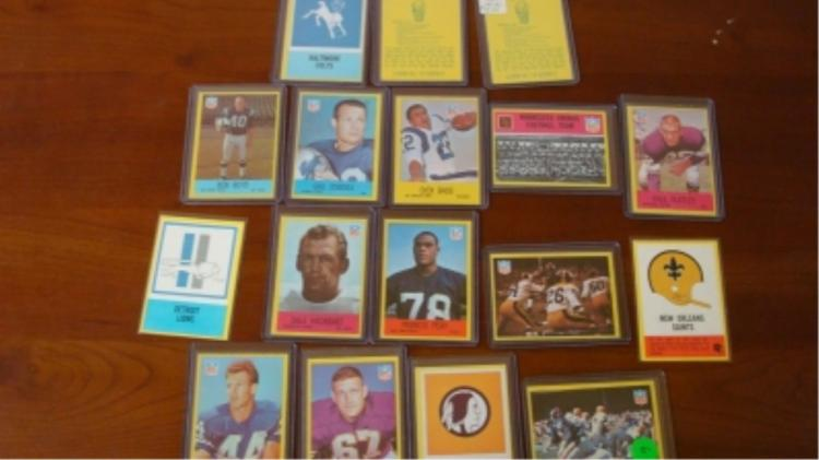 19 PCGC NFL Cards (17) Some Dups