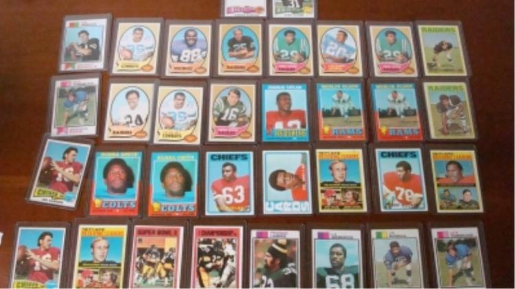 1970-74 TOPPS (30) Football Cards Some Big Stars