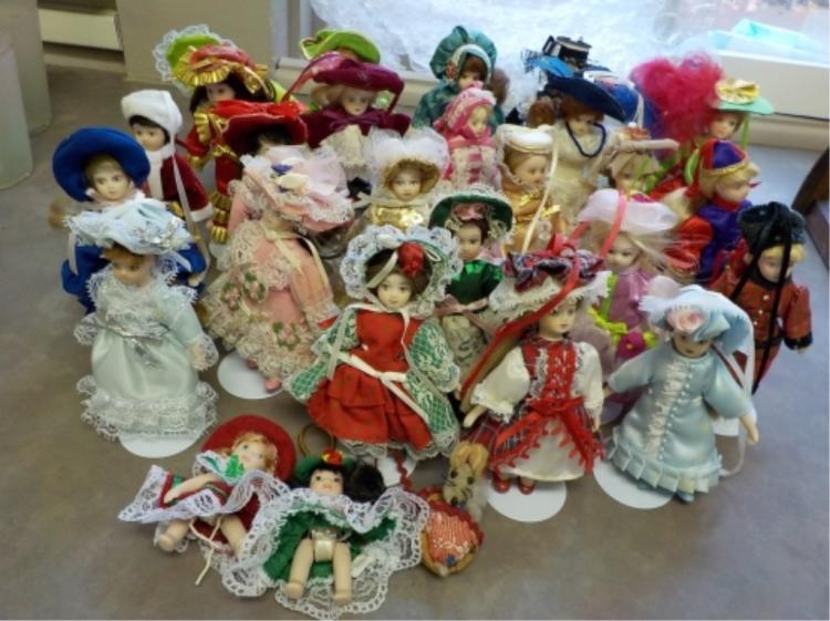 1989 Danbury Mint 25 LADIES OF FASHION Dolls