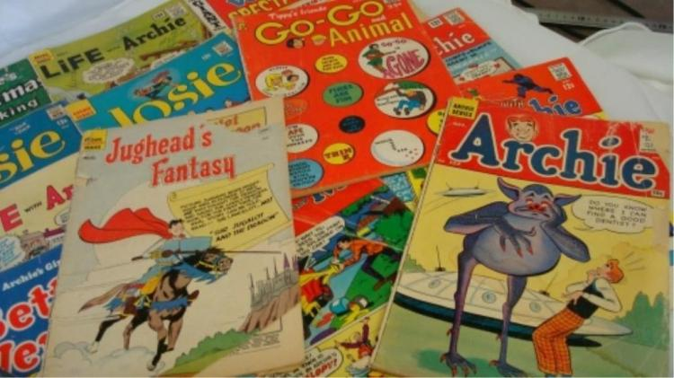 27 Archie and His Friends Comic Books