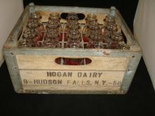 Hogan Dairy Hudson Fall NY Milk Case & (20) Pints