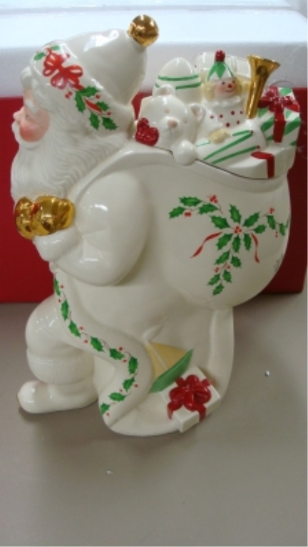 Lenox 'Holiday Santa' Cookie Jar in Box