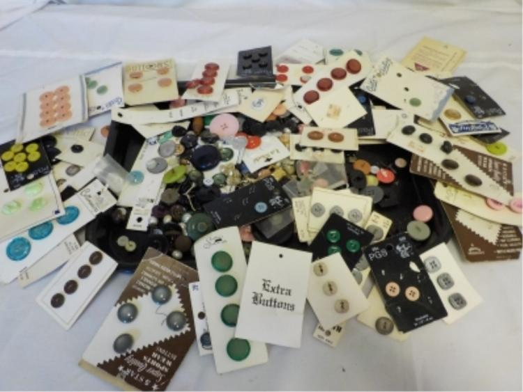 ~20 oz Misc Vintage Household Buttons - cards
