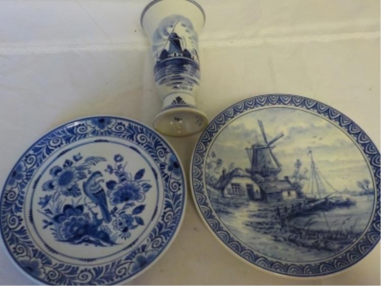 2 Delft Holland Plates & Vase
